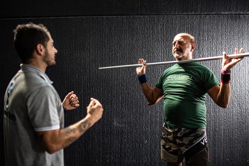 ginnastica posturale, esercizio con personal trainer